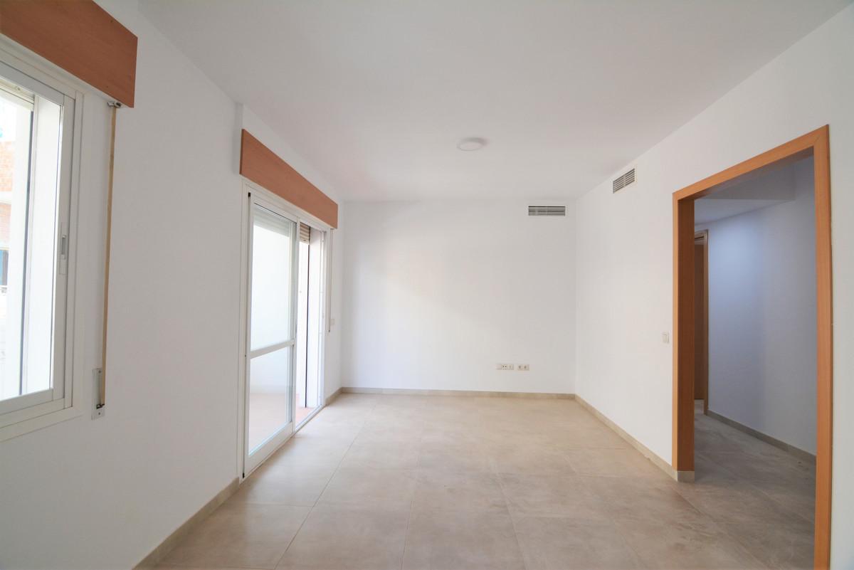 Apartment Middle Floor Las Lagunas Málaga Costa del Sol R3536620 4