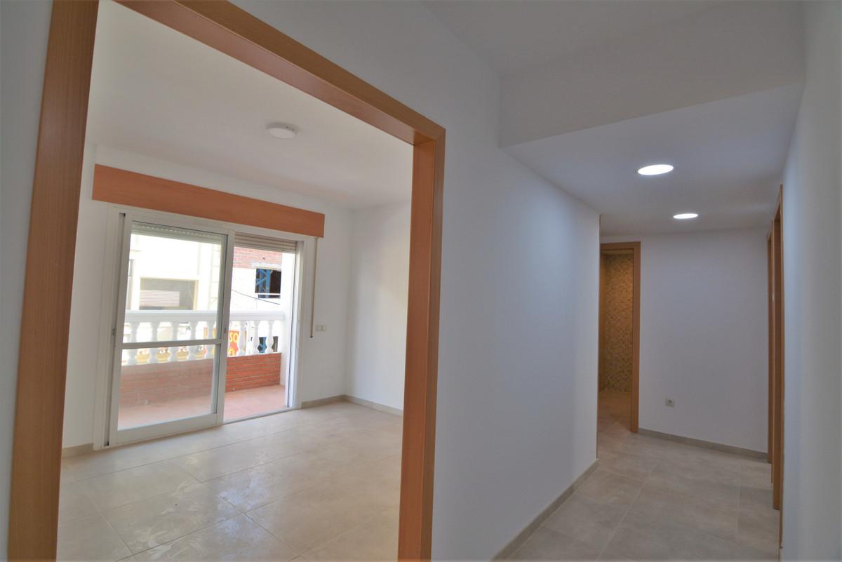 Apartment Middle Floor Las Lagunas Málaga Costa del Sol R3536620 6