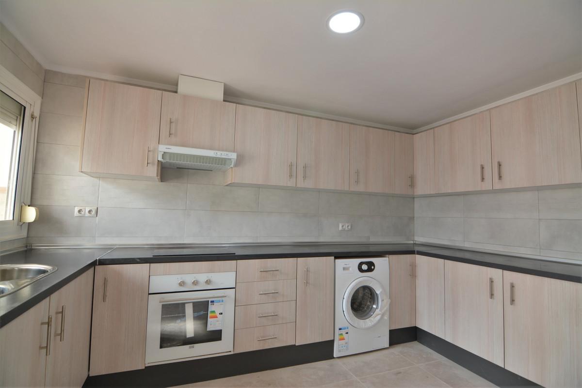 Apartment Middle Floor Las Lagunas Málaga Costa del Sol R3536620 8