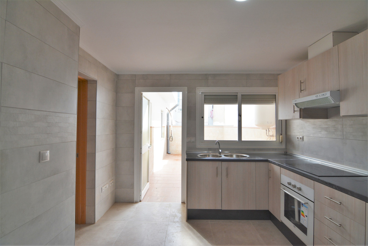 Apartment Middle Floor Las Lagunas Málaga Costa del Sol R3536620 9