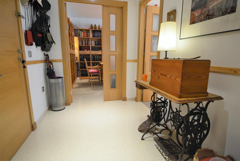 Apartamento Planta Media en venta en Los Pacos – R3199516