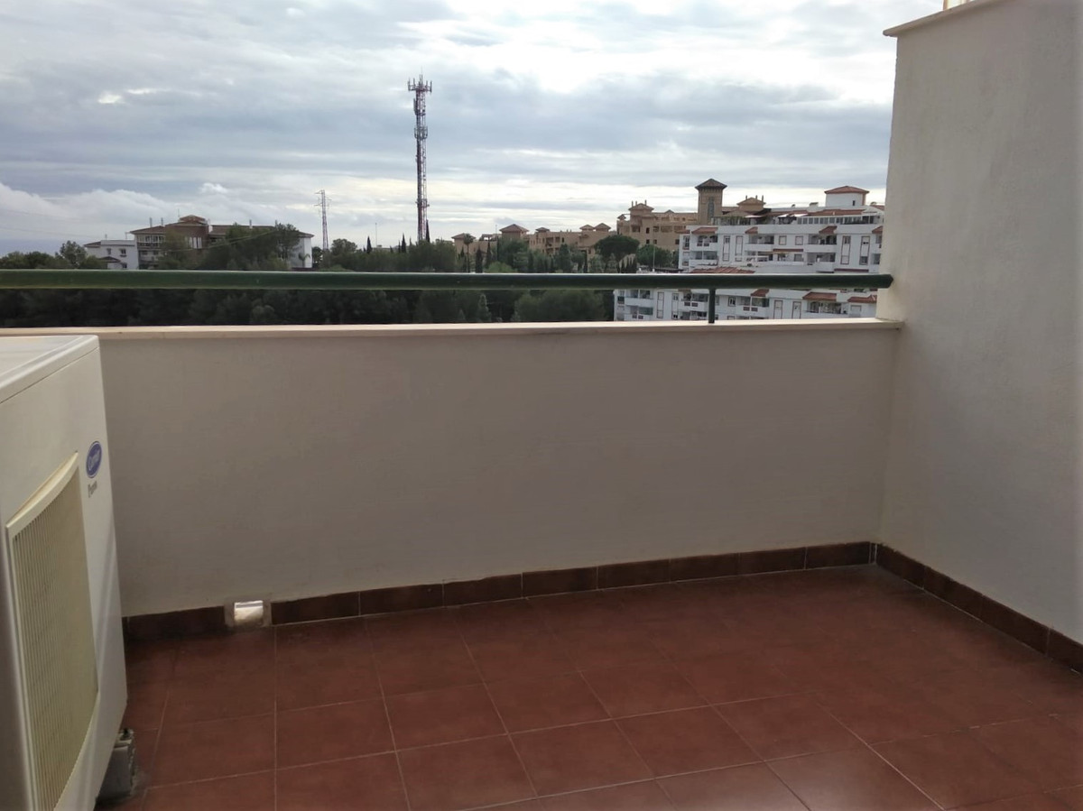 Middle Floor Apartment for sale in Benalmadena R3311917
