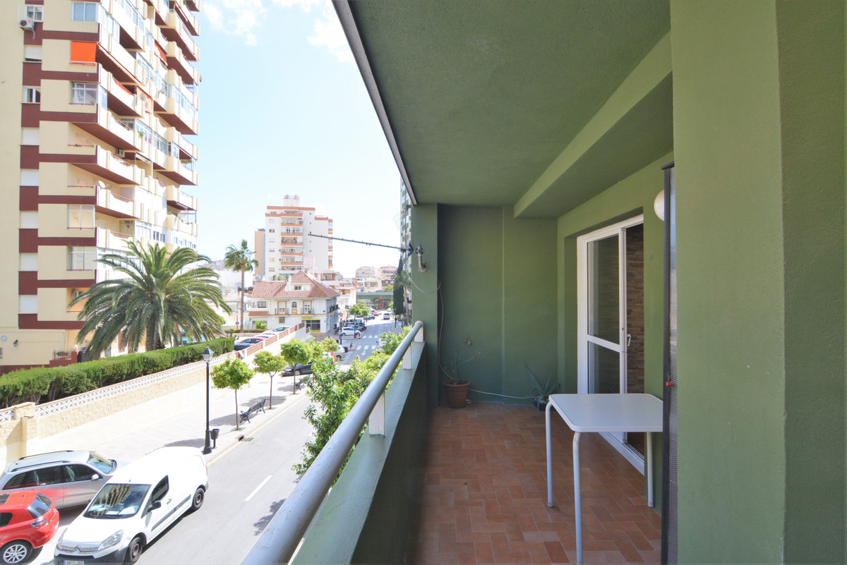 Middle Floor Apartment in Los Boliches R3360199