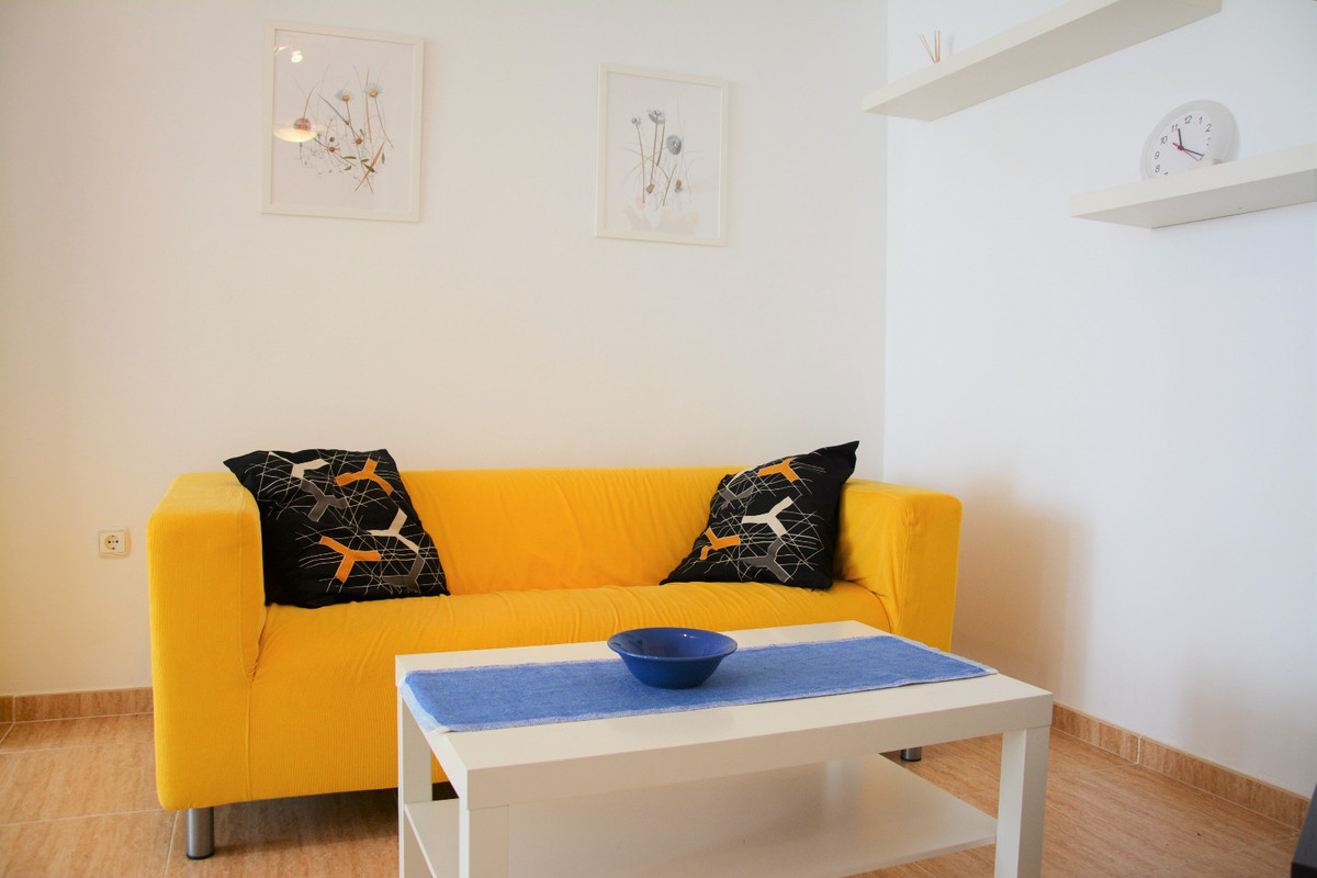 For sale beautiful apartment in the center of Fuengirola with 3 bedrooms with air conditioning. It d,Spain