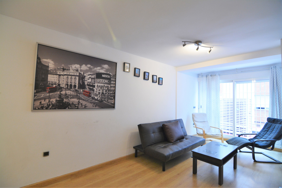 Middle Floor Apartment for sale in Fuengirola R3432517