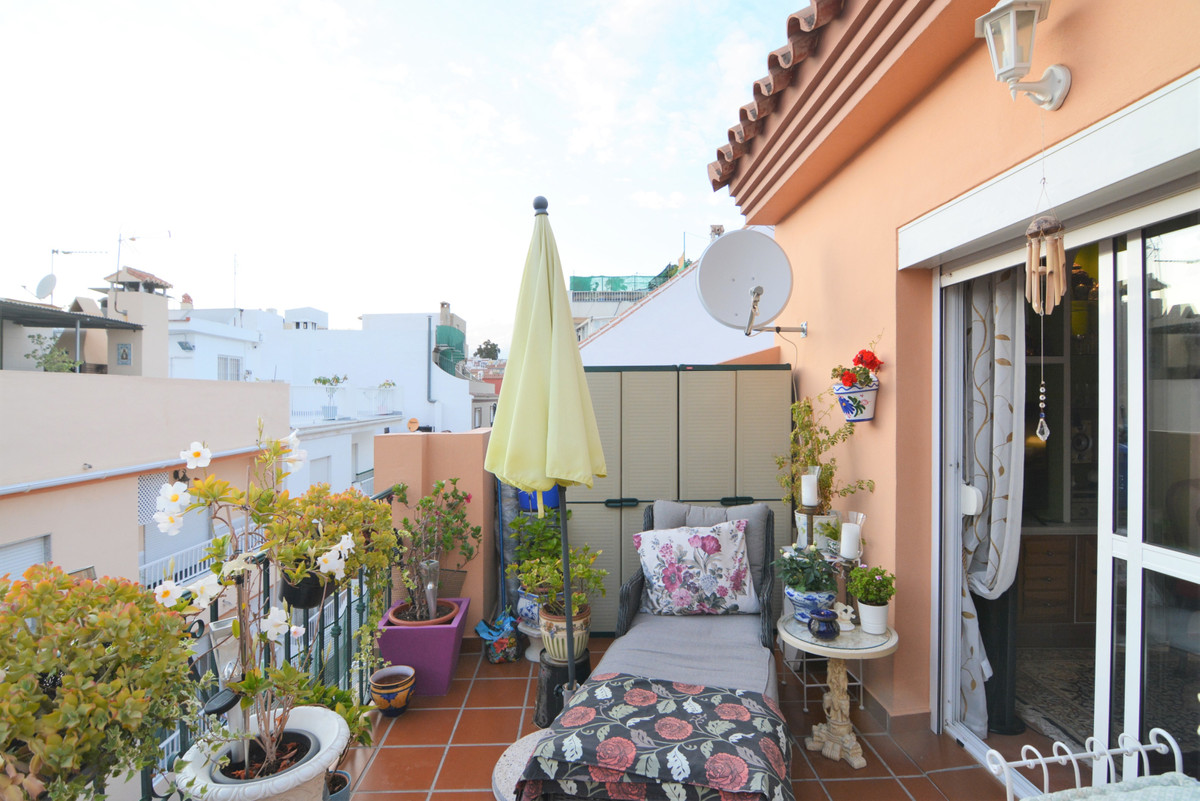 Opportunity, beautiful penthouse for sale with 1 bedrooms and 1 bathroom. Recent high quality constr, Spain
