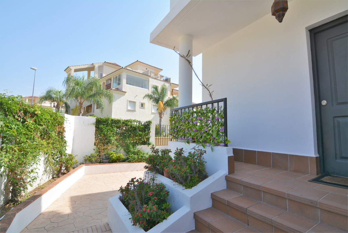 Beautiful townhouse in the poupolar  urbanization of Cala Hils. The house is distributed on three fl,Spain