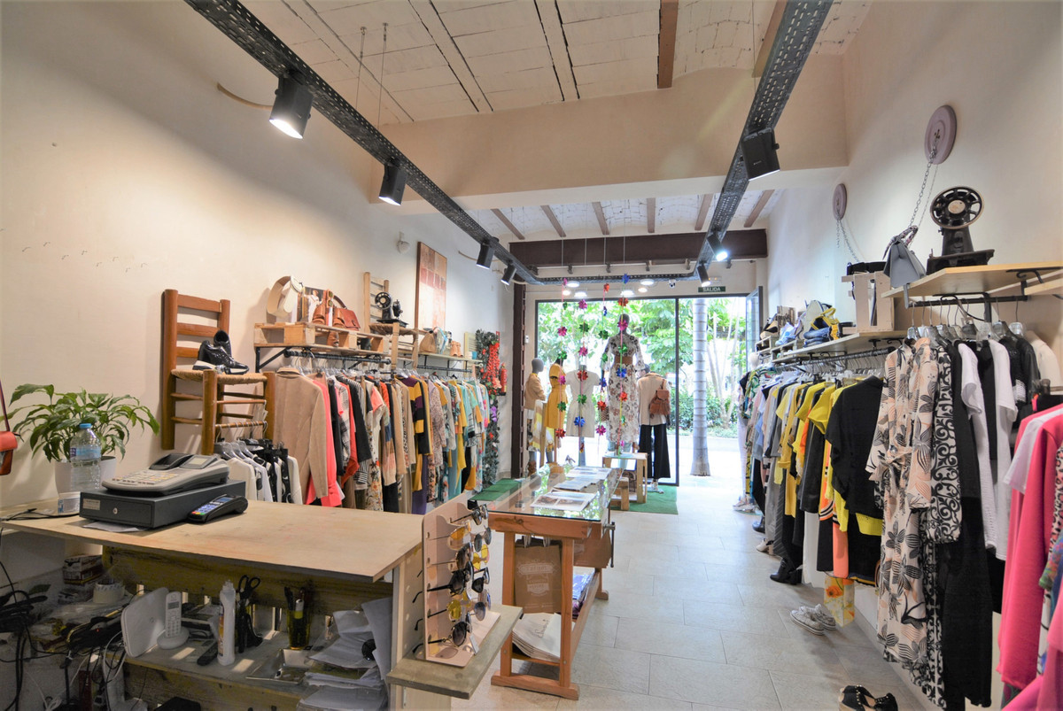 Beautiful clothing shop is for lease in the Plaza de la Constitucion, unbeatable area, with a lot of, Spain
