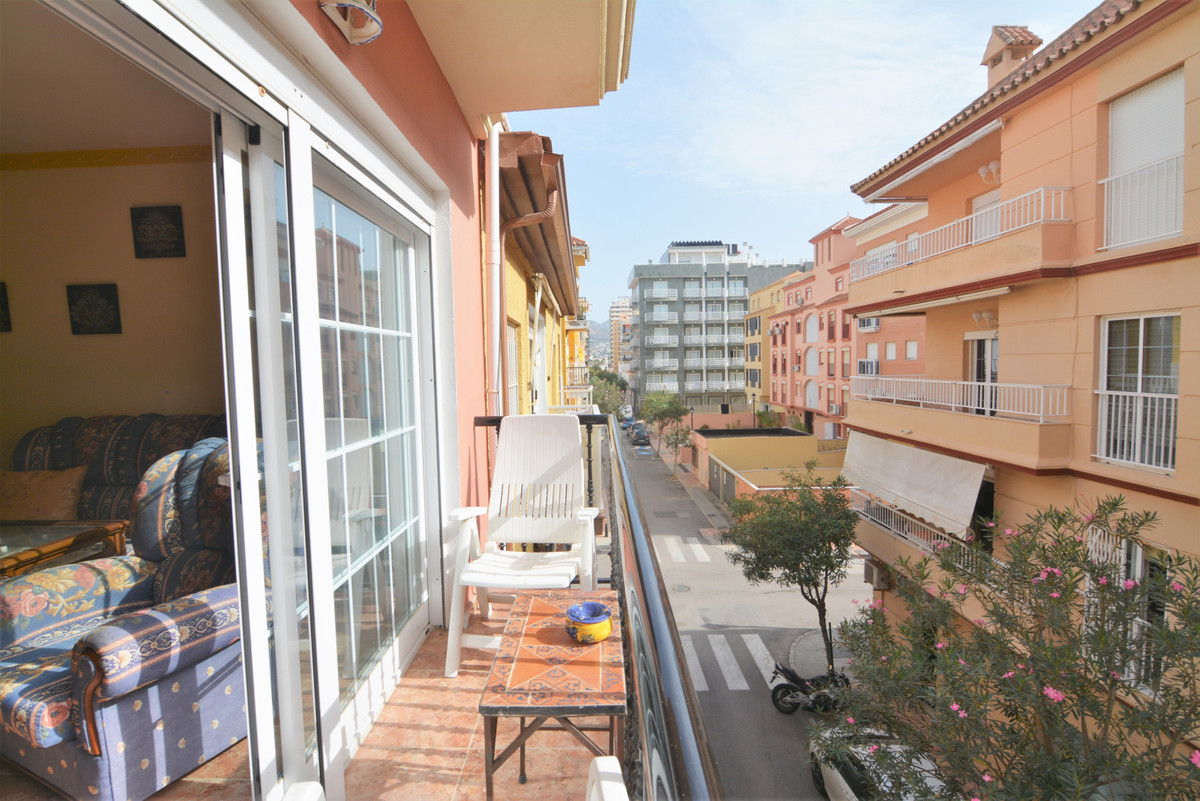 Local in the famous Plaza de la Hispanidad, the place is distributed in a total of 40 M2.  It is in ,Spain