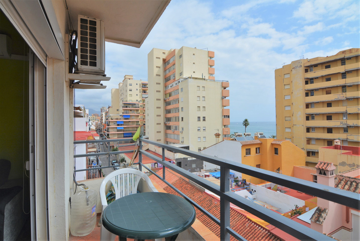 Middle Floor Apartment for sale in Fuengirola R3256783