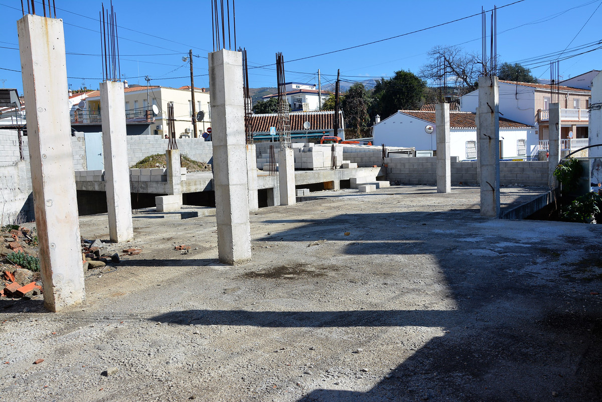Plot for sale in TRIANA, village near Velez - Malaga and Torre del mar.  It has 350 square meters of, Spain