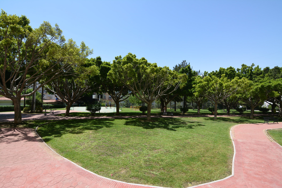 For sale, ground floor apartment in a very quiet area, close to all kinds of amenities and services.,Spain