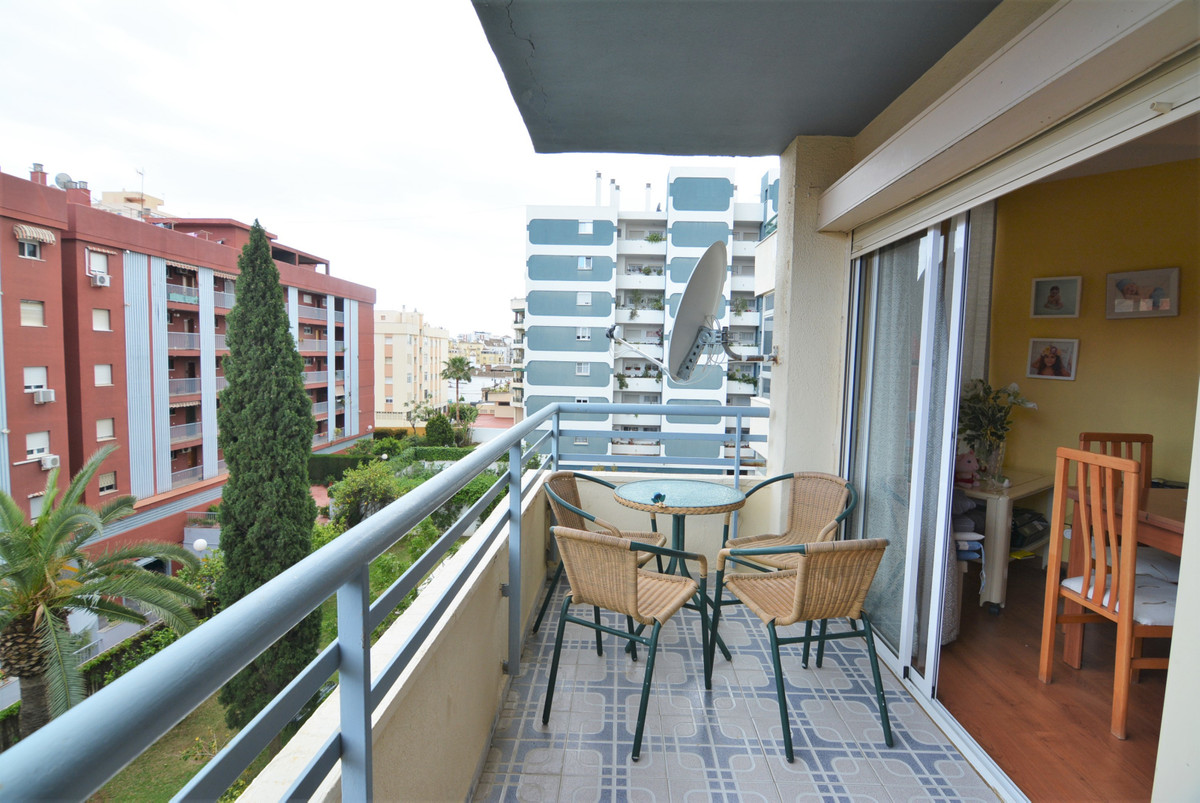 Apartment For sale in the center of Fuengirola  Unbeatable area, as it is close to all kinds of amen, Spain