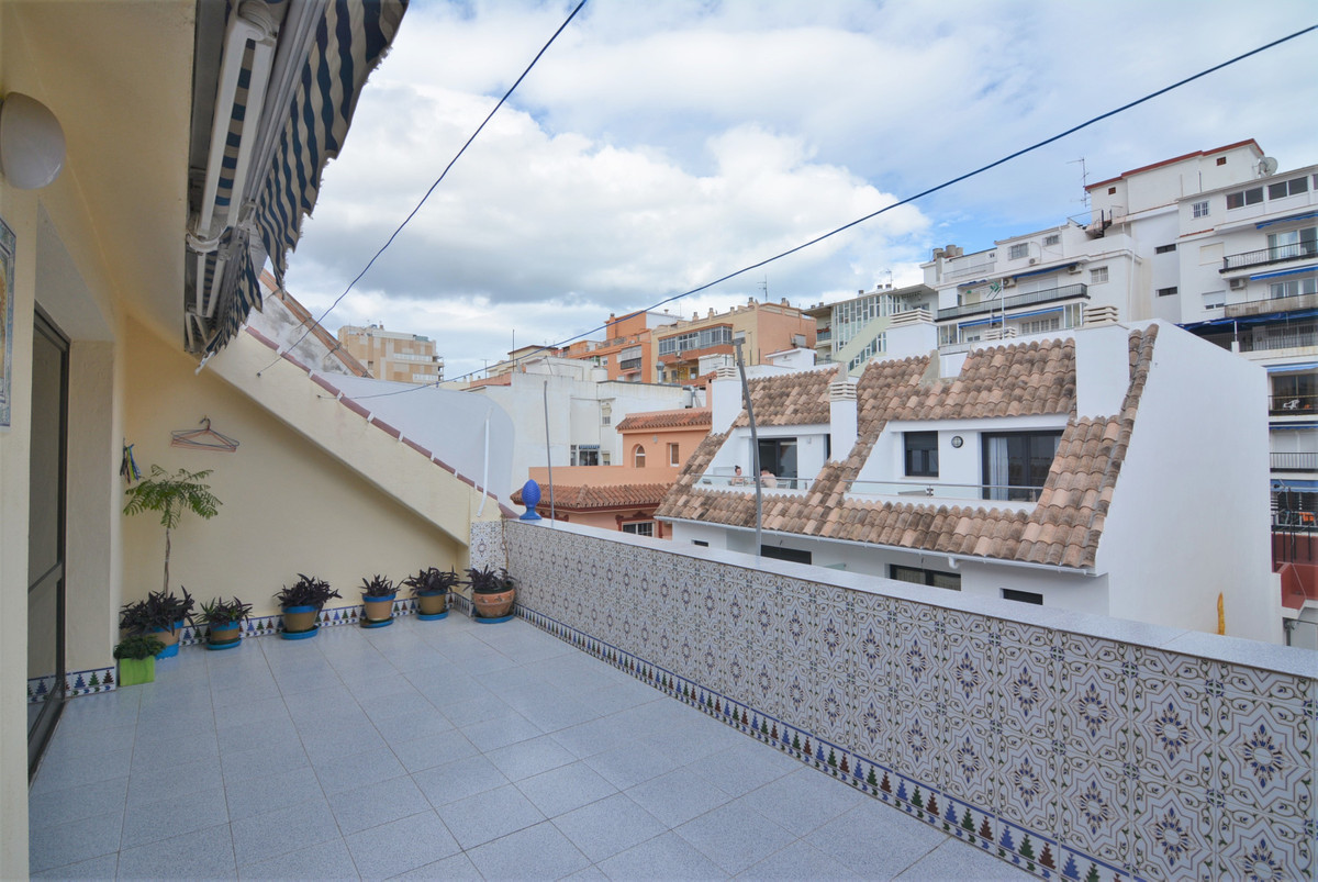 For sale, full building in the heart OF LOS BOLICHES. With 3 independent apartments! SECOND LINE BEA,Spain