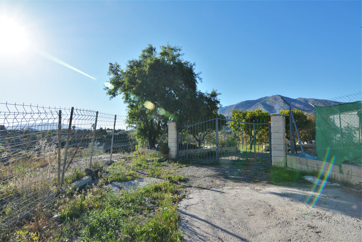 For sale land of 2800 square meters of plot, good area. Stunning views of the sea.  Plot with regist,Spain