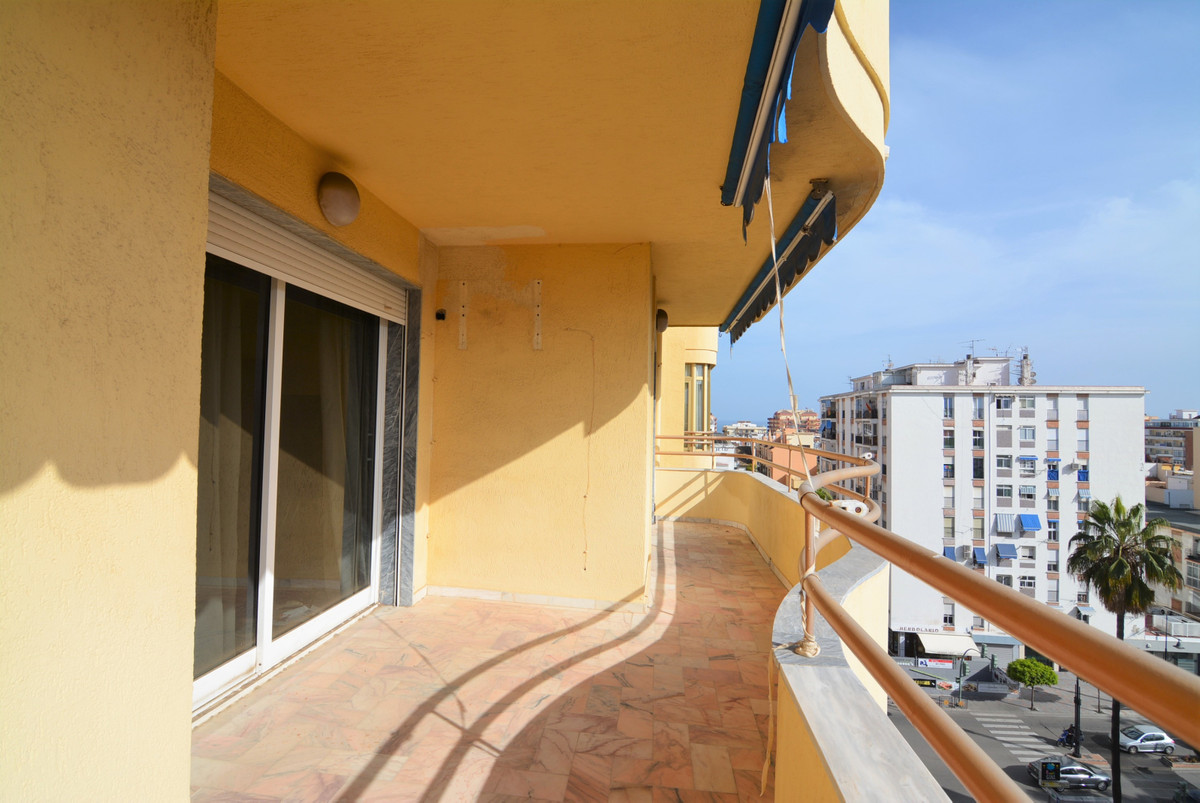 For sale, luxurious apartment in the heart of Fuengirola, two minutes walk from the train station.  , Spain