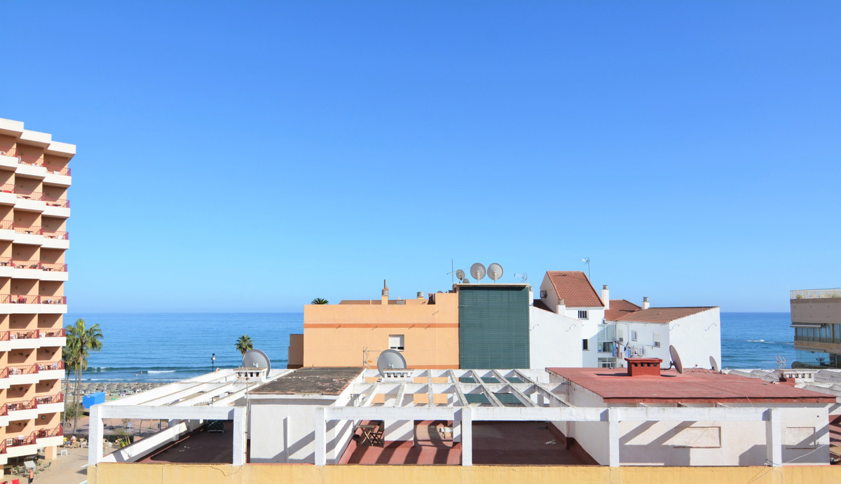 Middle Floor Apartment for sale in Fuengirola R3524041