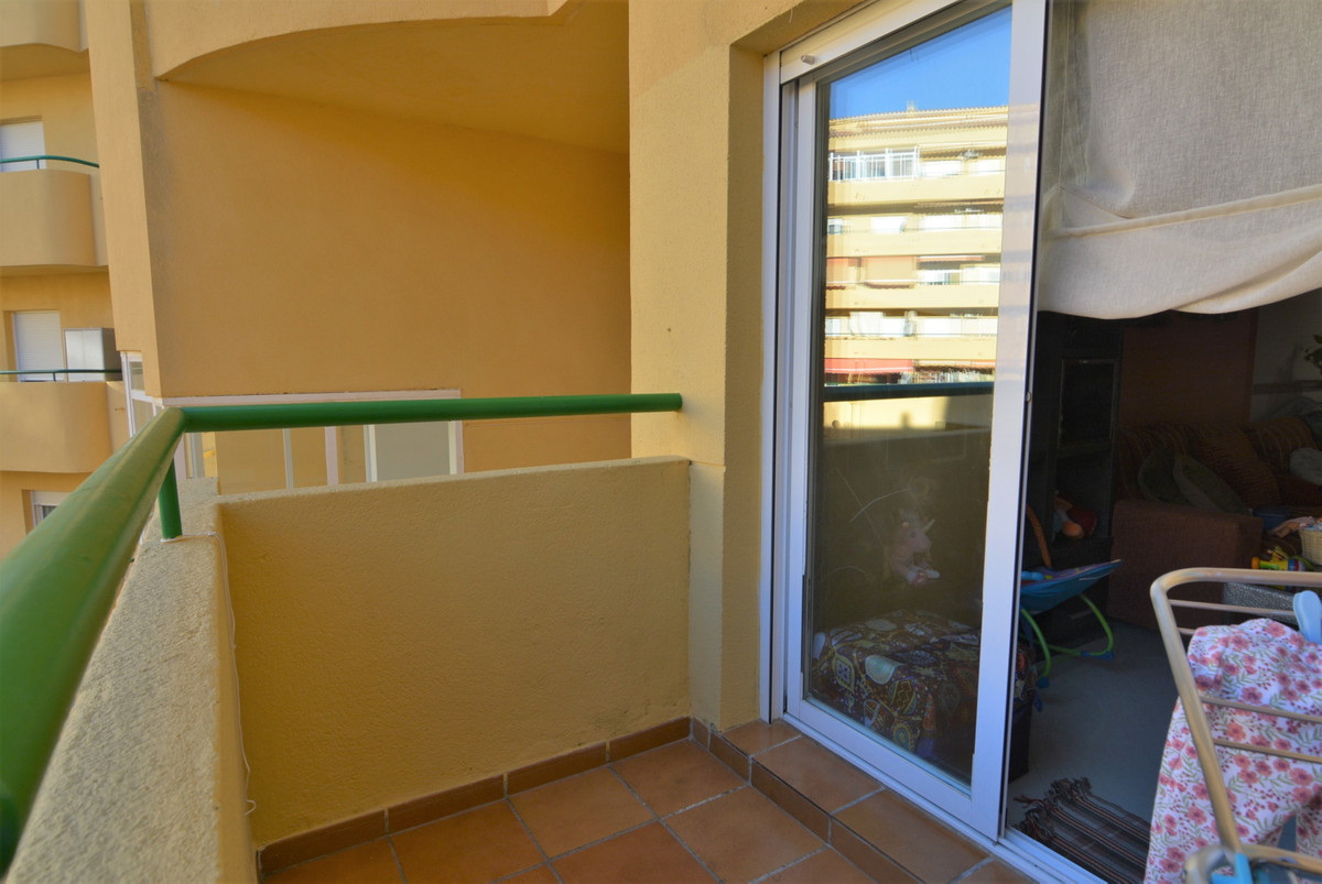 Middle Floor Apartment for sale in Los Pacos R3323170