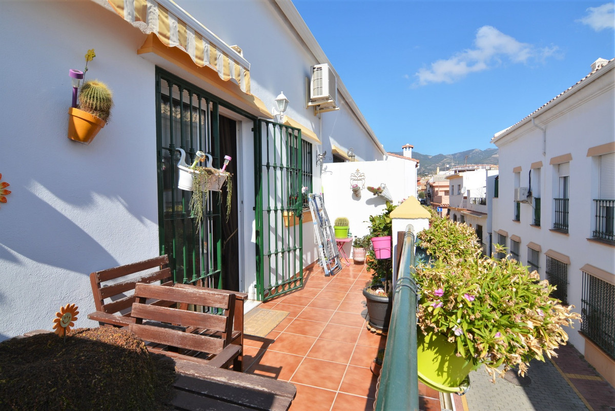 Duplex in Los Pacos, 3 bedrooms 2 bathrooms, it´s a first floor aparartment without an elevator. The,Spain