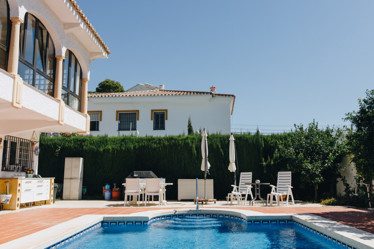 Villa con 5 Dormitorios en Venta La Cala de Mijas
