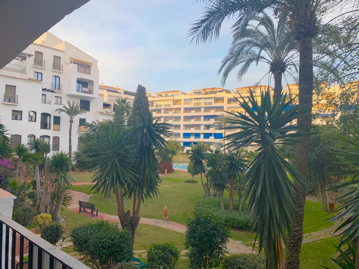 Spacious 3 bedroom apartment situated in the heart of Puerto Banus, in a walking distance from its n,Spain