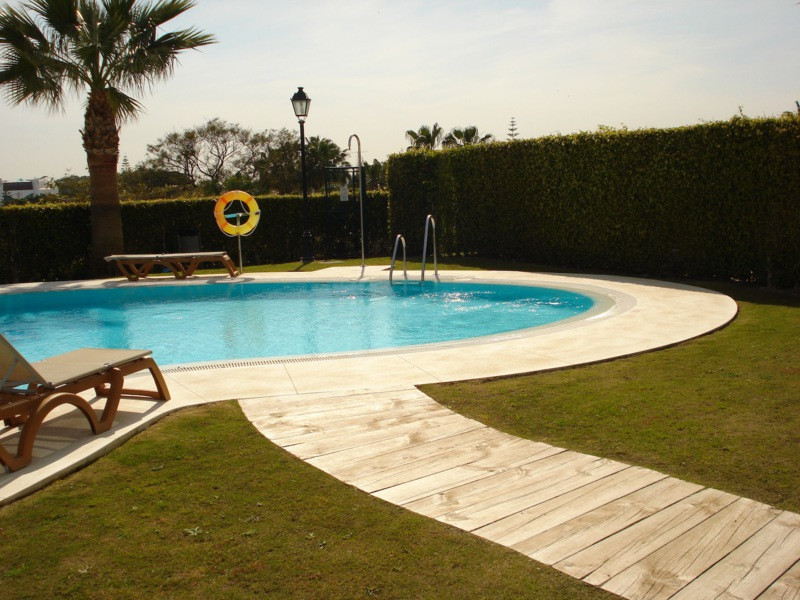 A brand new 3 bedroom 2 bathroom townhouse fully furnitured and ready to move. Cortijo del Mar is a ,Spain