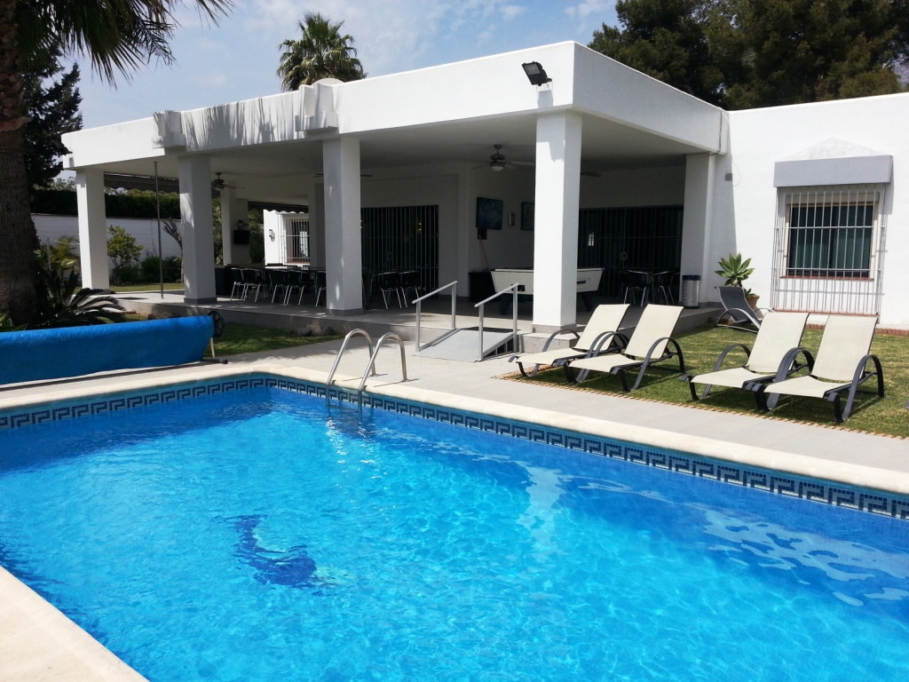 • Minutes' walk from local amenities such as bars / restaurants / shops / supermarkets and beac,Spain