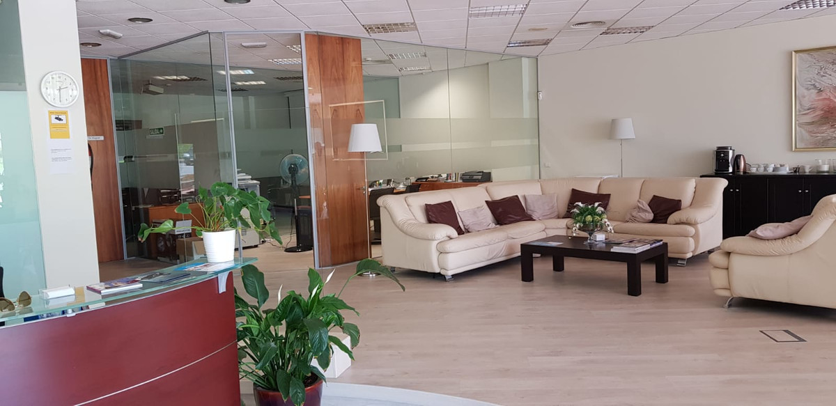 MEDICAL CENTER  (CLINIC) located between Marbella / Estepona with all licenses and in operation. It ,Spain