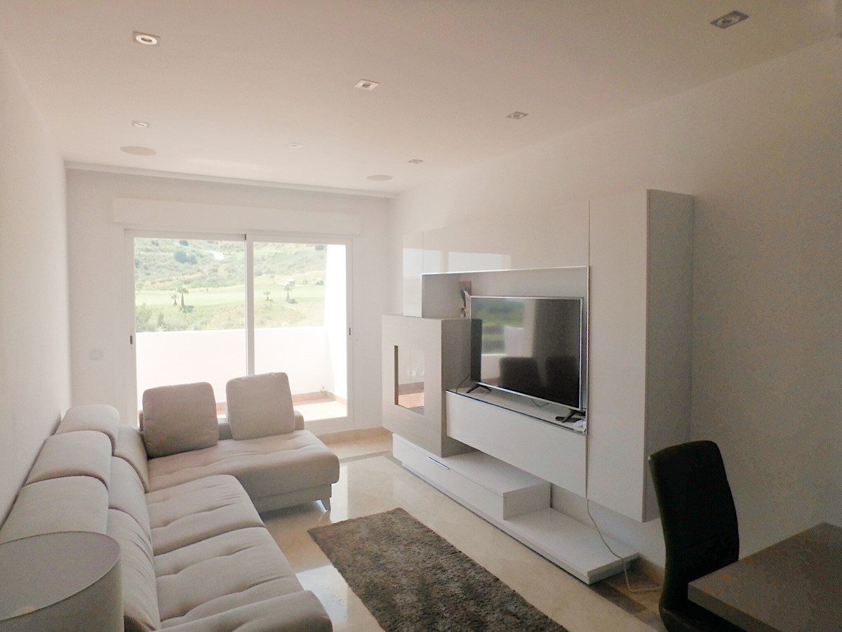 Beautiful and bright 2 bedroom, 2 bathroom apartment overlooking the Calanova golf course- situated ,Spain