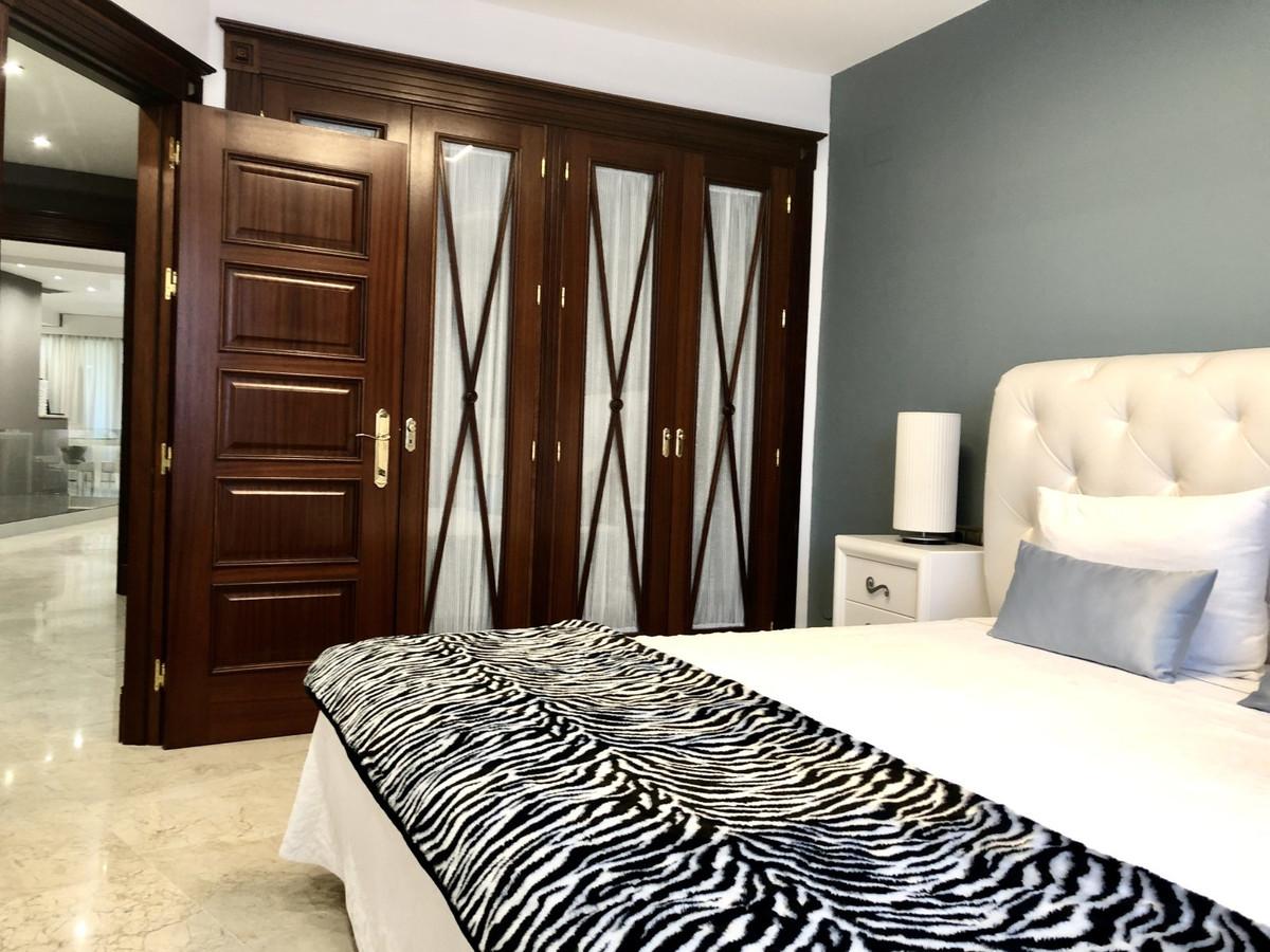 Apartamento Planta Baja en Venta en San Pedro de Alcántara – R3727969