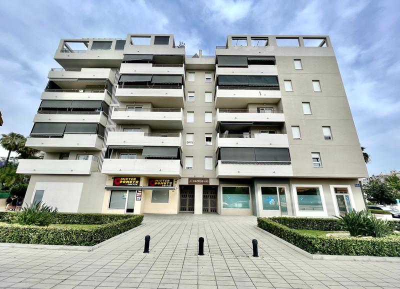 Middle Floor Apartment in Nueva Andalucía