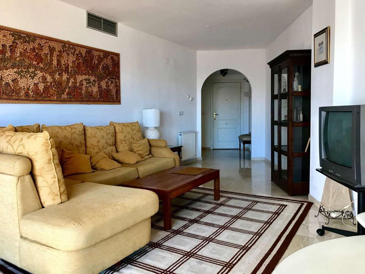 Top Floor Apartment in Guadalmina Alta