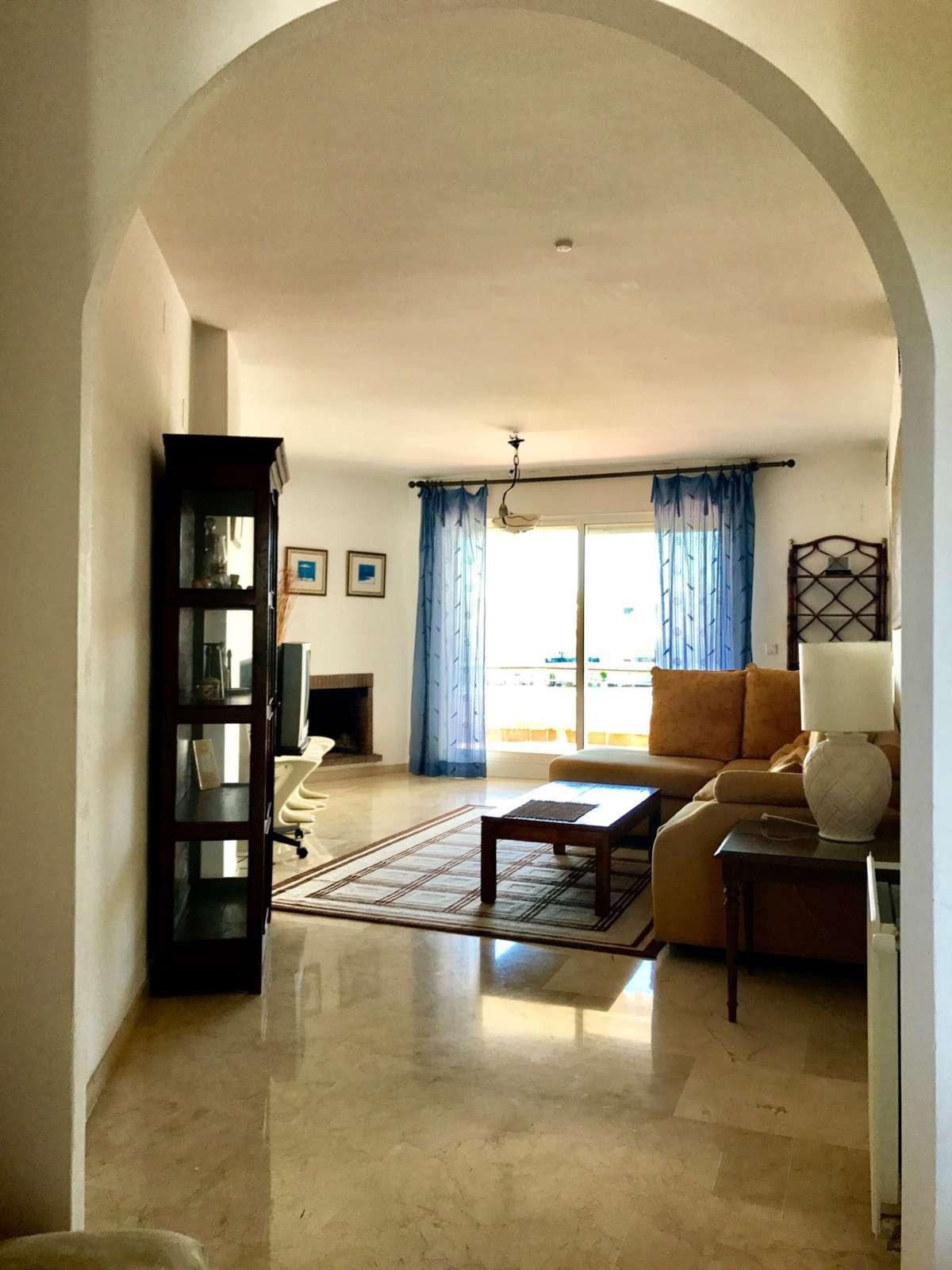 Apartamento en Planta Última en Venta en Guadalmina Alta – R2920226