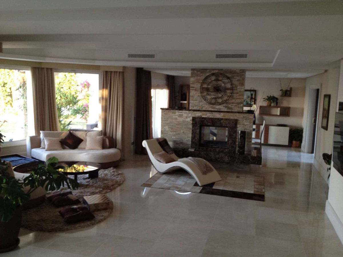 House in Altos de los Monteros R2889725 8