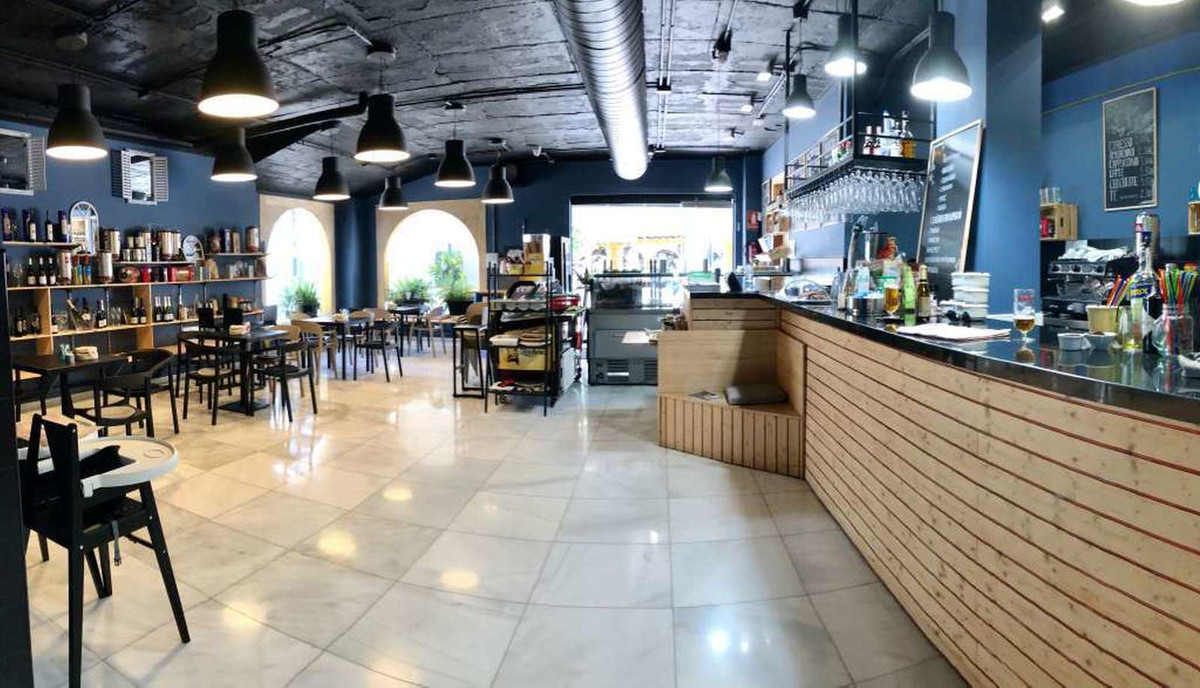 Restaurant for sale in Puerto Banús R3483754