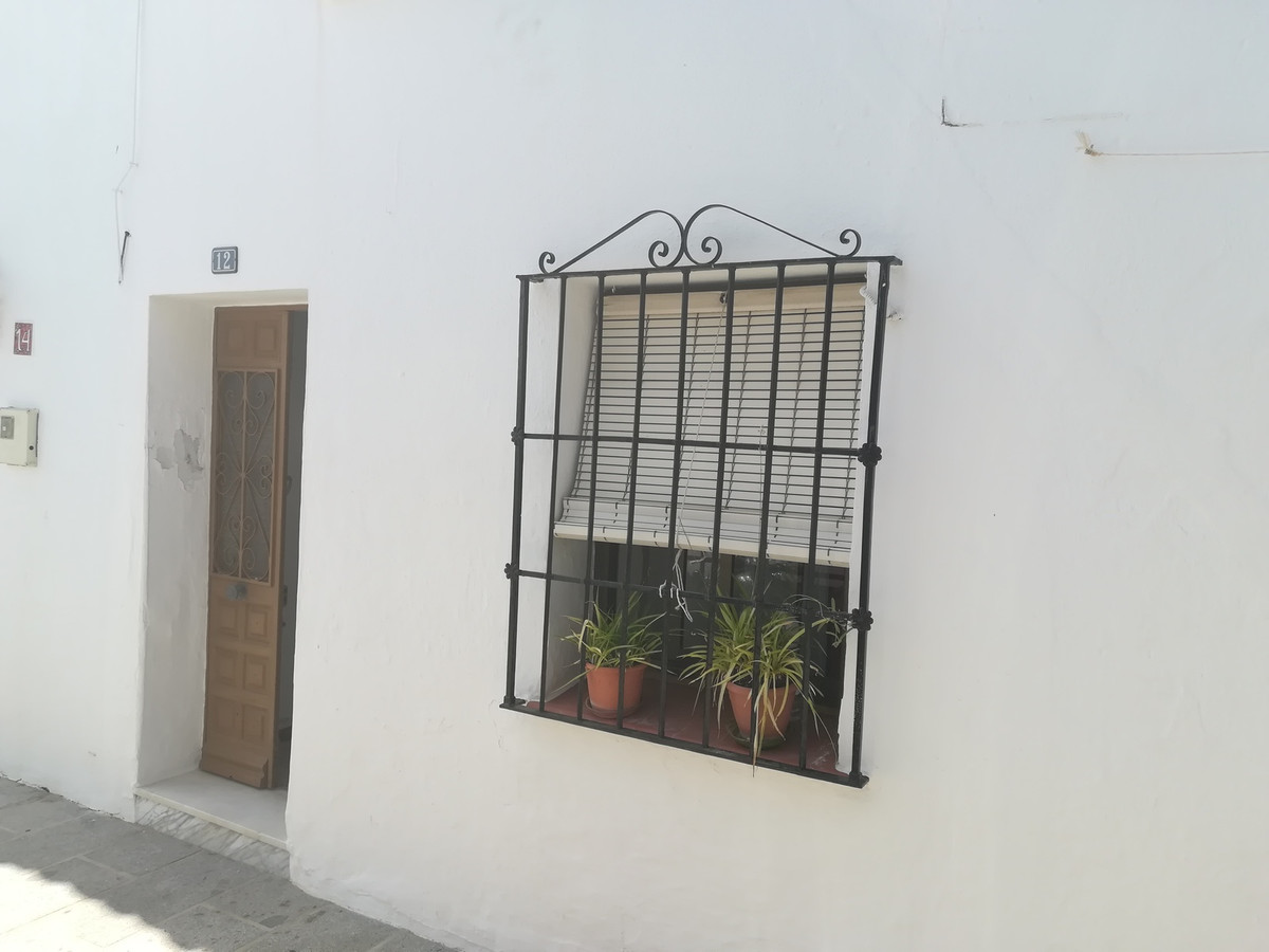 Typical Andalusian apartment on the ground floor in the heart of Mijas Pueblo. It consists of two be,Spain