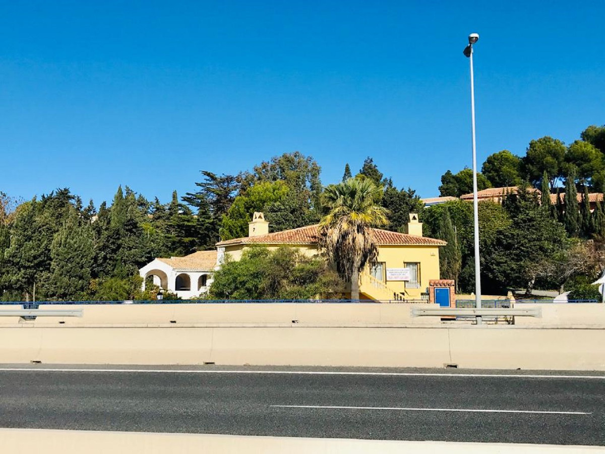 COMMERCIAL BUILDING FOR SALE IN FRONT A7 in El Chaparral - Mijas Costa. View from the same road (Old,Spain
