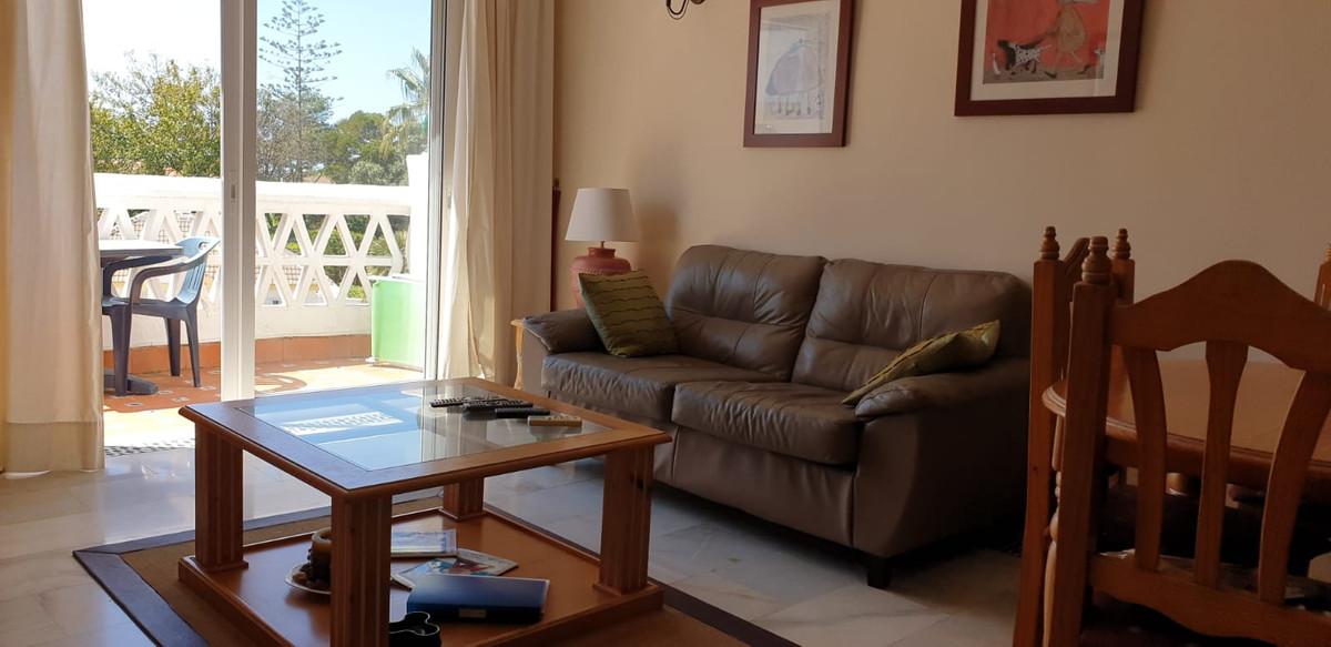 Apartamento en Venta en Calahonda – R3849853