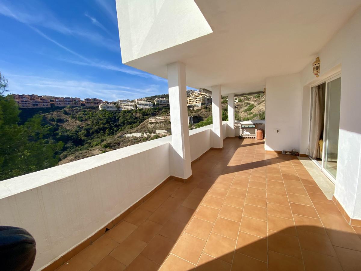 Marbella Banus Apartamento en Venta en Calahonda – R3941011