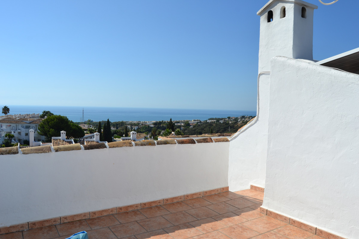 3 bedroom  3 storey town house in the heart of Calahonda with stunning panoramic views from the roof, Spain