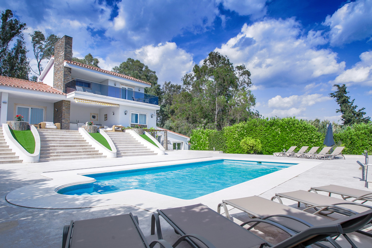 Fantastic Villa situated in Cabopino on a large fully fenced very private not overlooked 2,000 m2 se,Spain