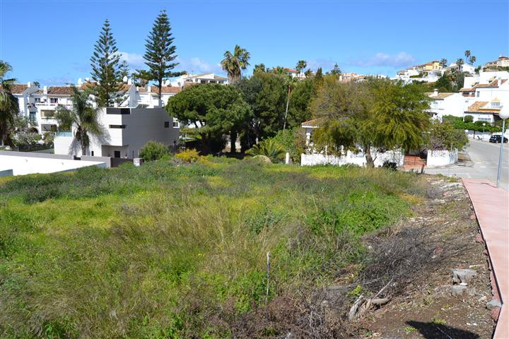Residential Plot in Mijas Costa R3162103