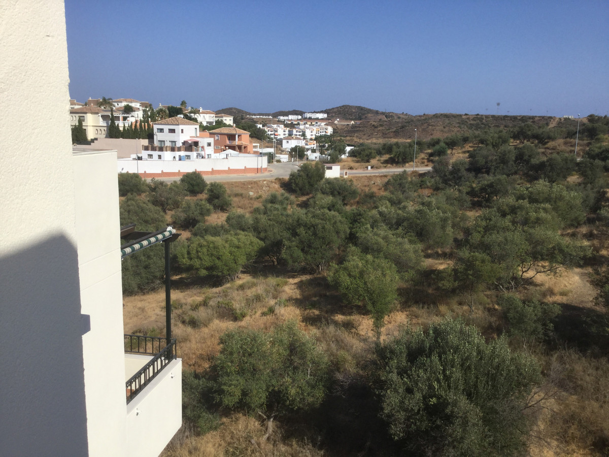 A very well looked after Penthouse situated in Cerrros de Aguila with oustanding views over the surr, Spain