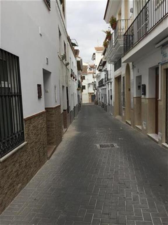 A small but roomy three storey townhouse in need of modernisation situated in the historical part of,Spain