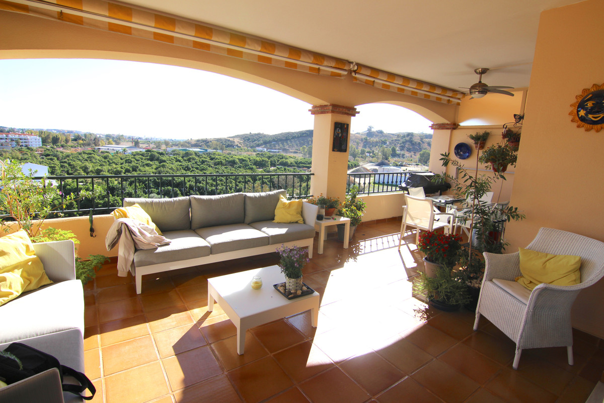 Cozy apartment near the Mijas Golf course, Mijas Costa.  Offering 2 bedrooms and 2 bathrooms ensuite,Spain