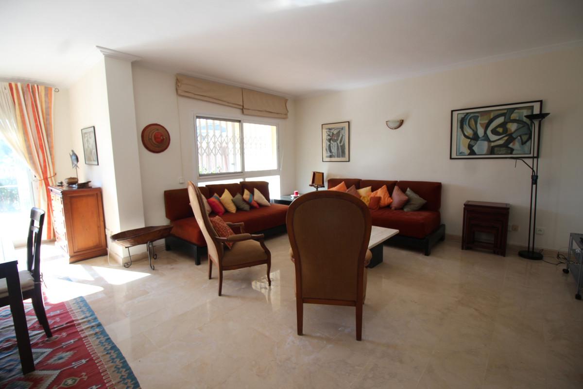 Apartamento en Venta en Benahavís – R3810787