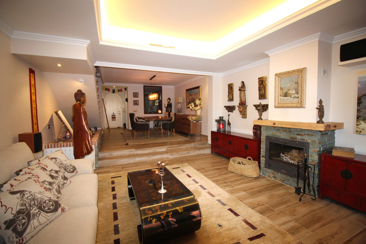 Fantastic townhouse in El Palmeral, Nueva Andalucia recently renovated with the best qualities and w,Spain