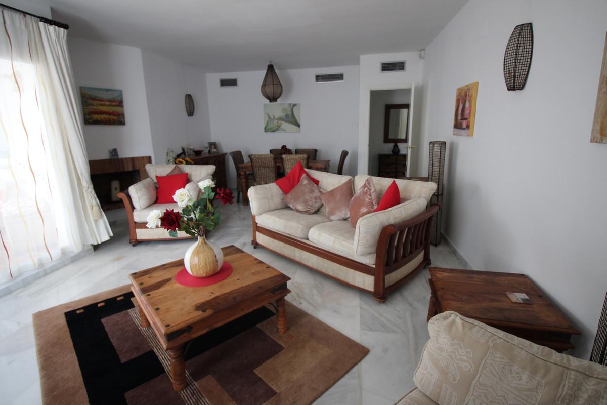 Apartamento Planta Media en Venta en Nueva Andalucía – R3395770