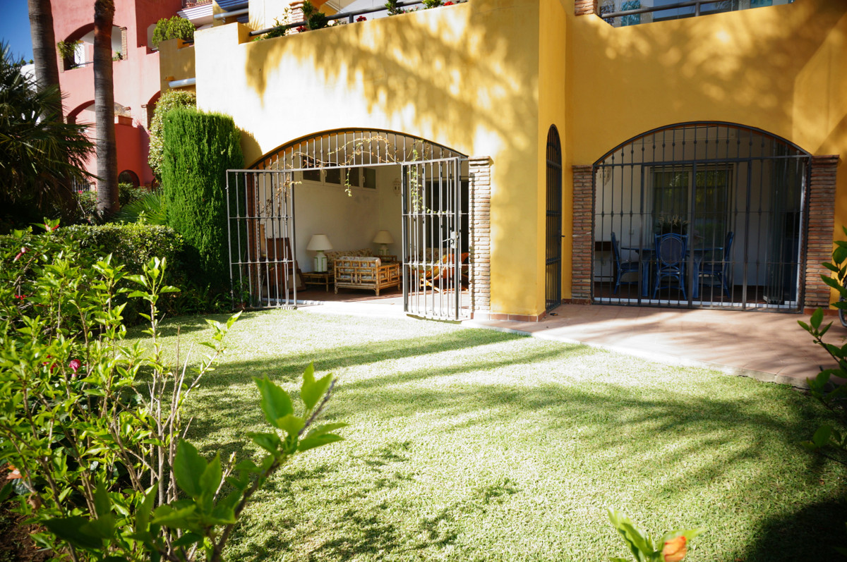 "Cozy ground floor with west orientation, located unbeatable in the urbanization ""El Infantado&q, Spain"