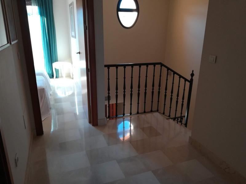 Semi-Detached House - Estepona - R3503461 - mibgroup.es